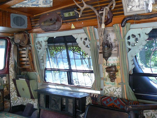 Vanadu_Ford_Art_Car_InSide